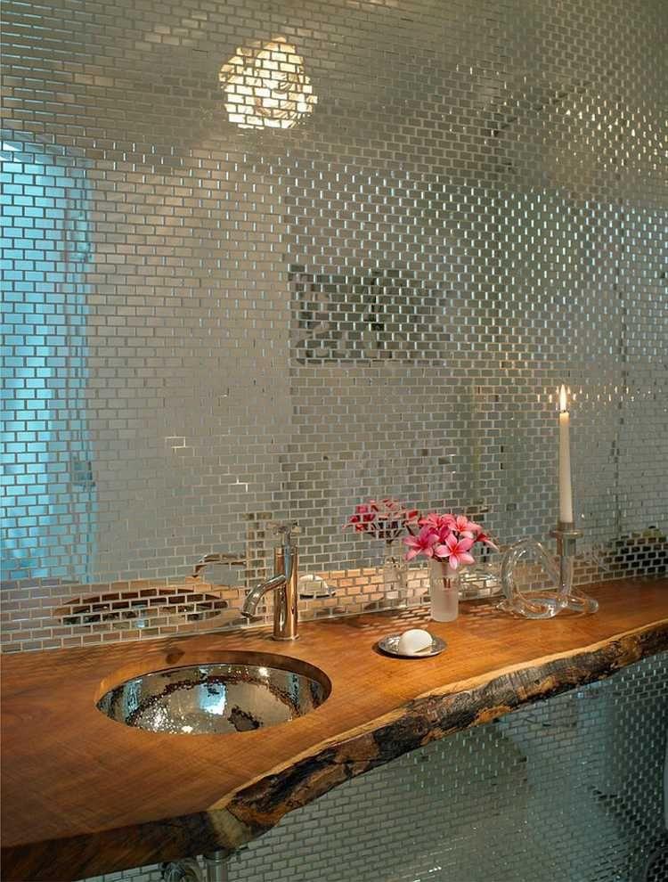 design idee f r das g ste wc mit mosaik spiegelwand und waschtisch aus holz badezimmer. Black Bedroom Furniture Sets. Home Design Ideas