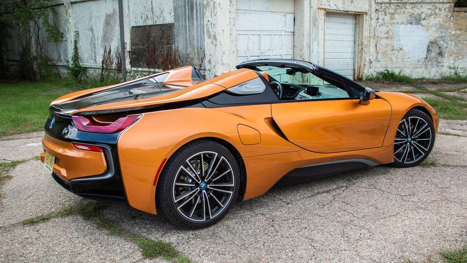 The 2019 BMW i8 Roadster puts plugin hybrid tech in a