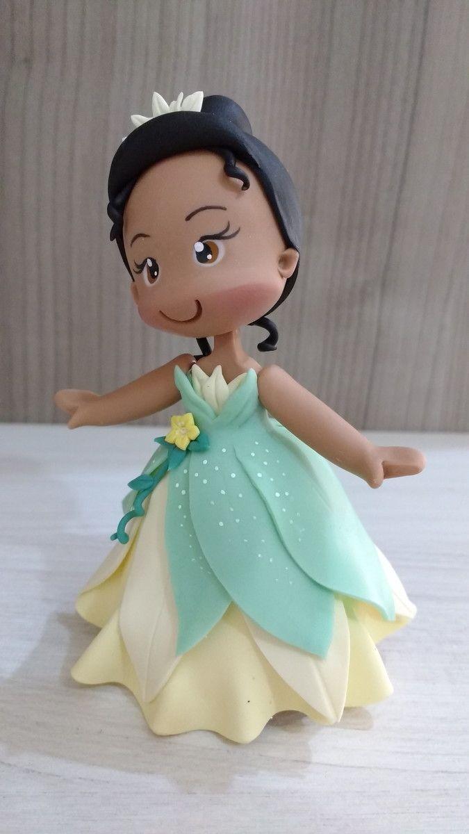 Topo De Bolo Tiana Em Biscuit Com Imagens A Princesa E O Sapo