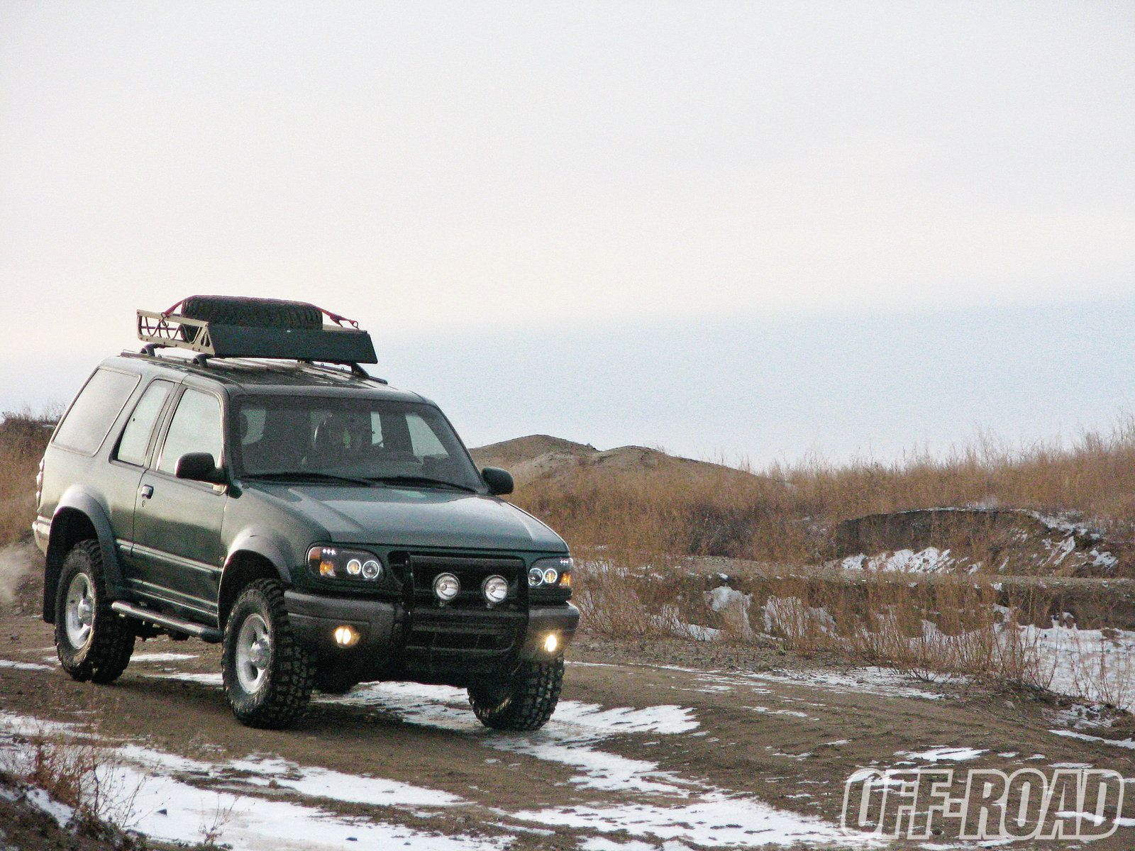 off road two door ford explorer [ 1600 x 1200 Pixel ]