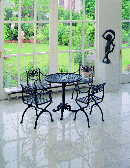 Schinkel Möbel (4 Stühle, 1 Tisch mit Glasplatte), Eisen u2013 Karl - antike mobel modernen wohnraumen