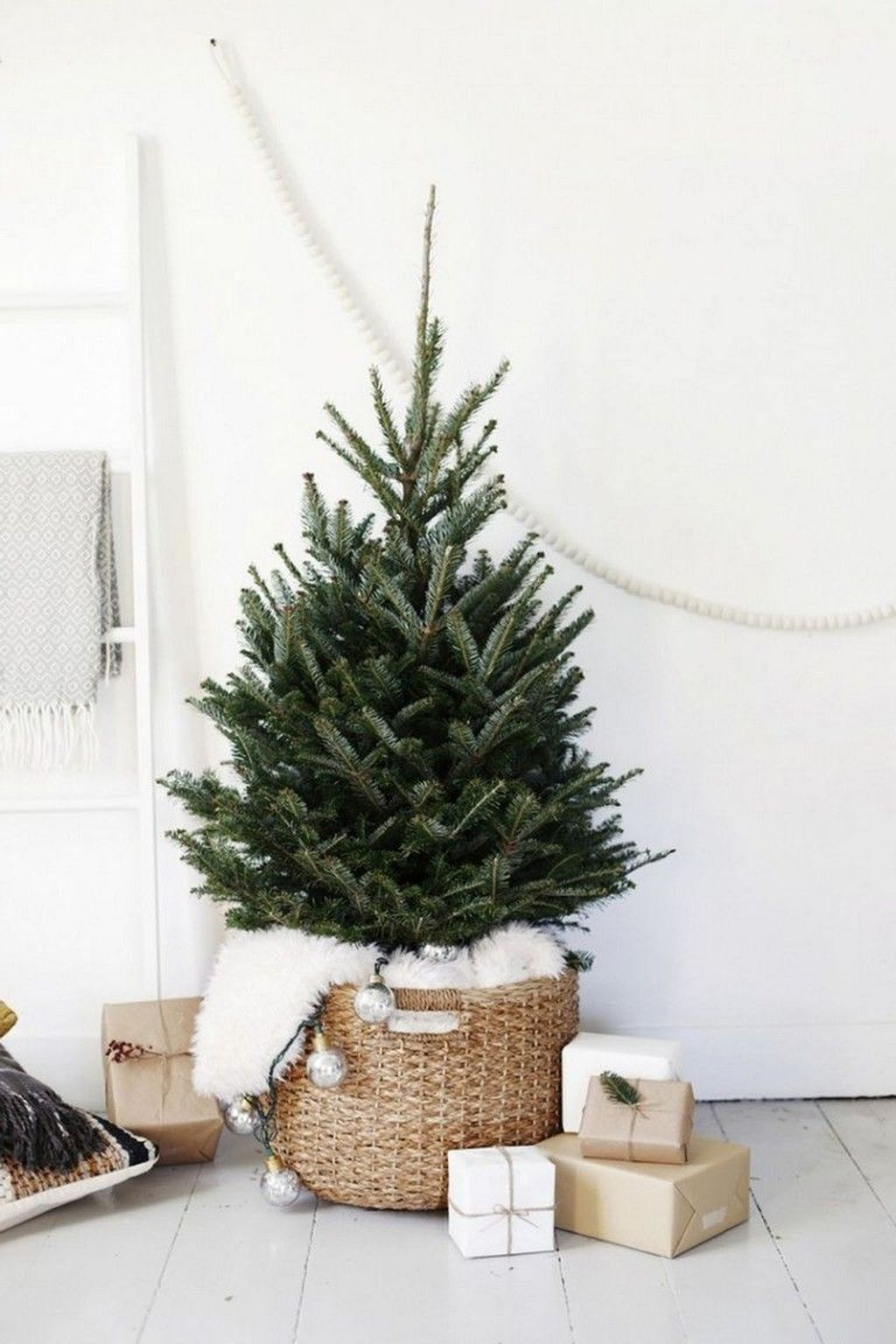 55 Small Apartment Christmas Decor Ideas #smallapartmentchristmasdecor