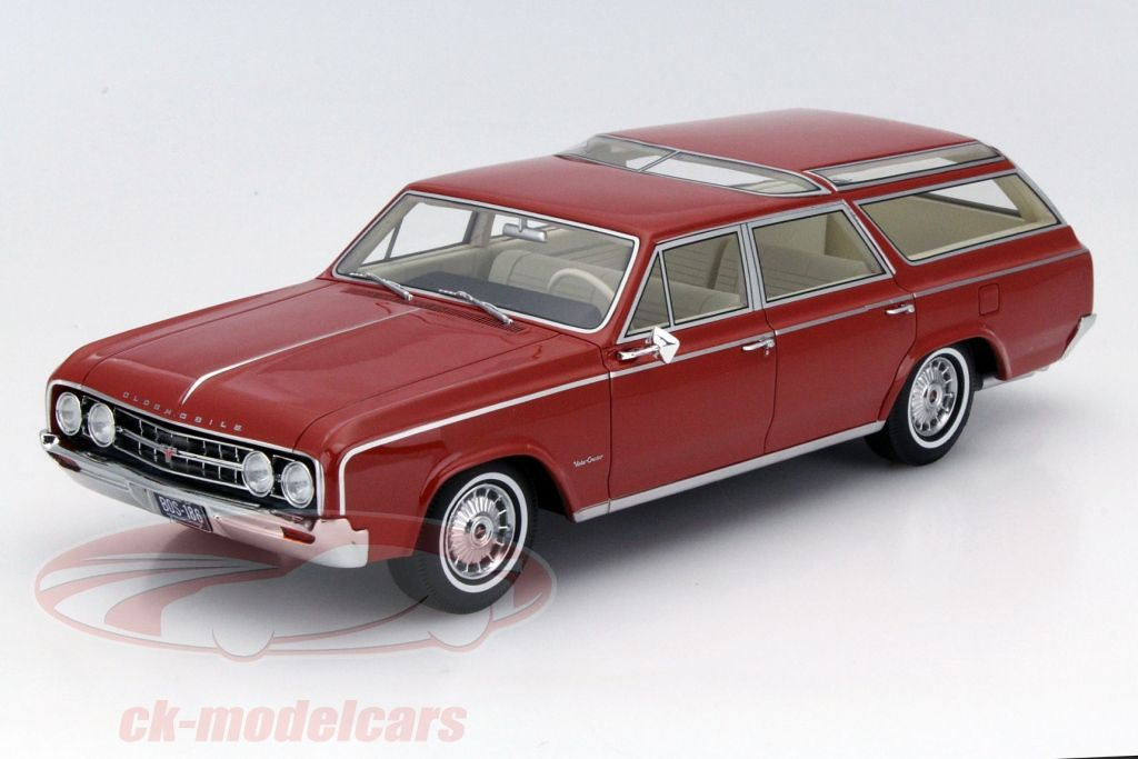 weiss 1:18 BOS   />/> NEW /</< Volvo 240 GL Kombi 1989