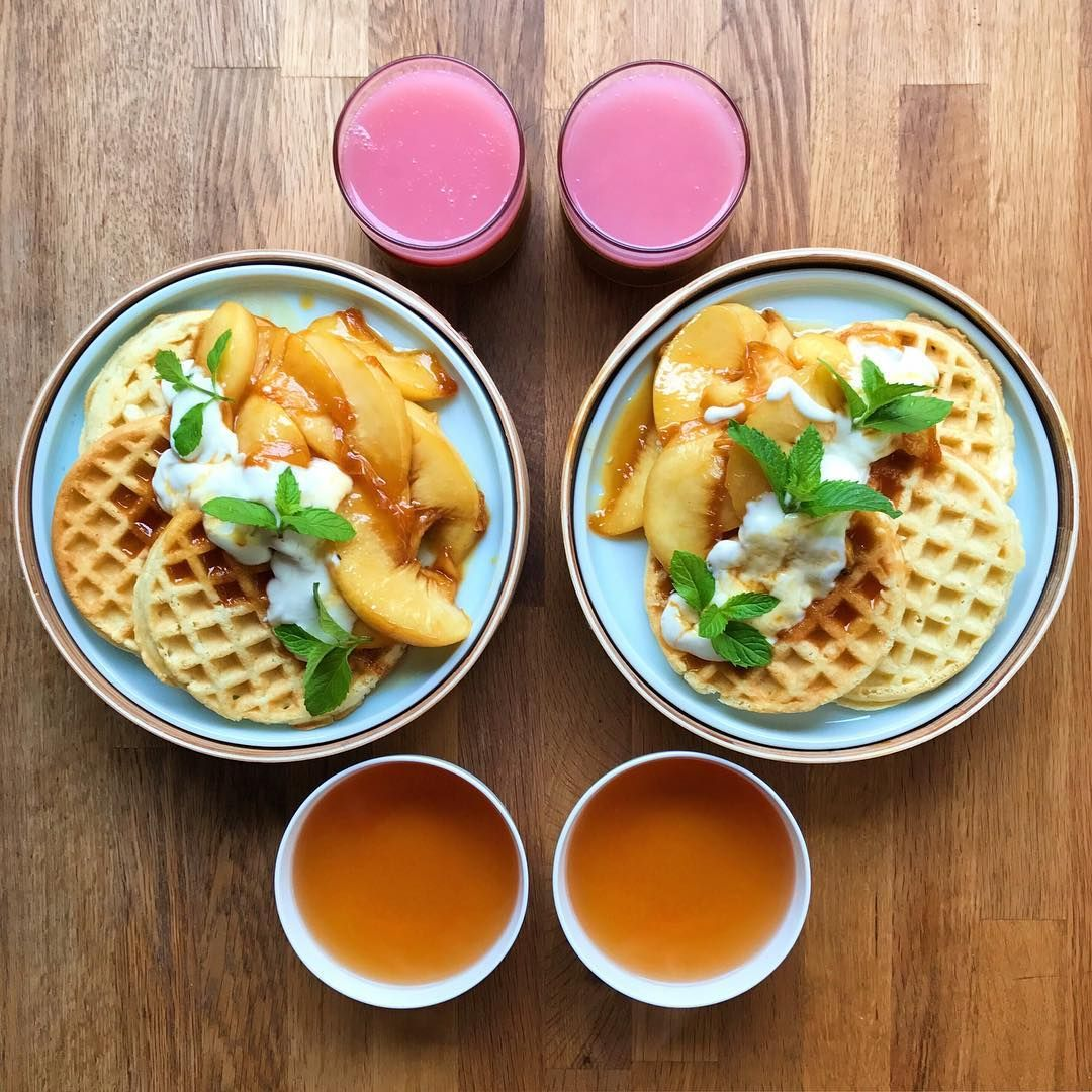 """SymmetryBreakfast     Waffles with caramel peaches and sour cream 🍑🐄 the return of the delicious pink guava…"""""""