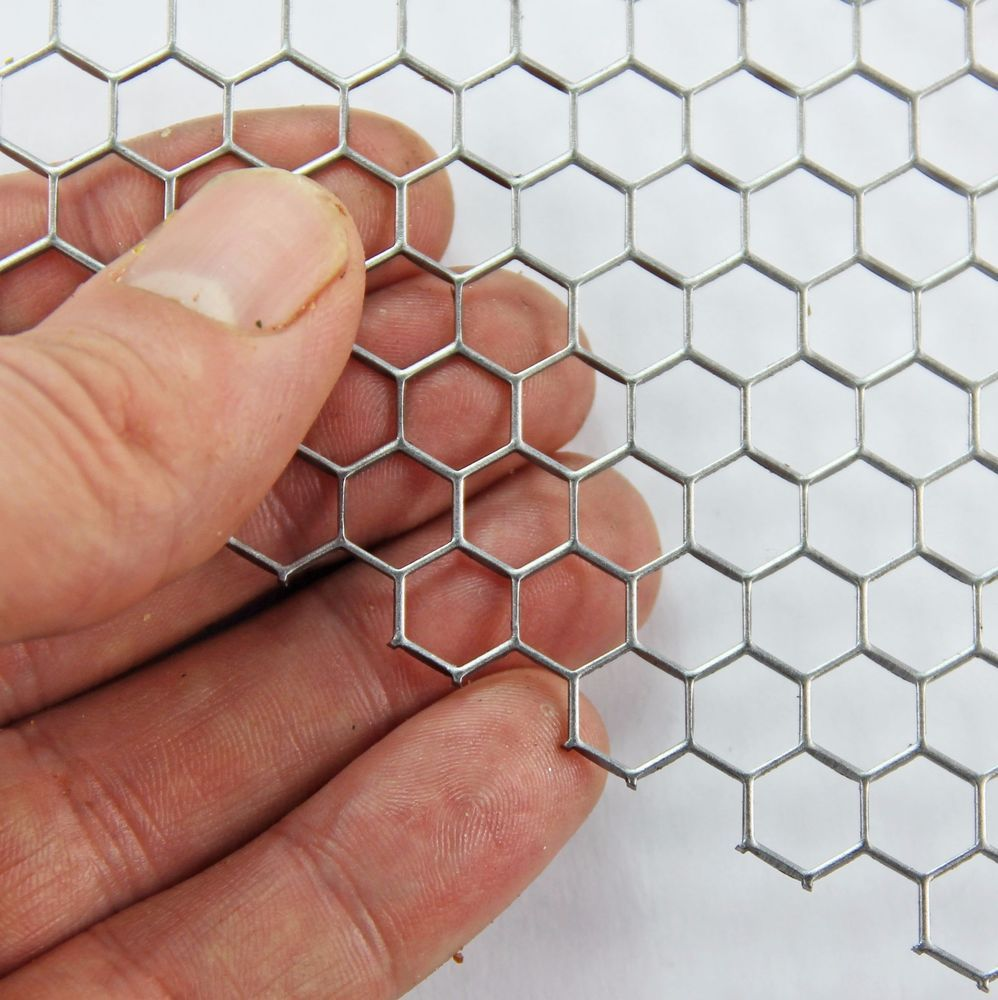 8mm Hole X 8 7mm Pitch X 1mm Thick Hexagonal Mild Steel Perforated Mesh Sheet Metal Mesh Perforated Metal Metal Sheet