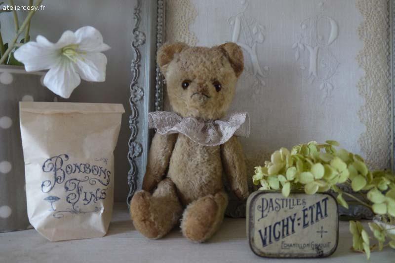 petit ours ancien brocante de charme atelier brocante de charme pinterest brocante. Black Bedroom Furniture Sets. Home Design Ideas