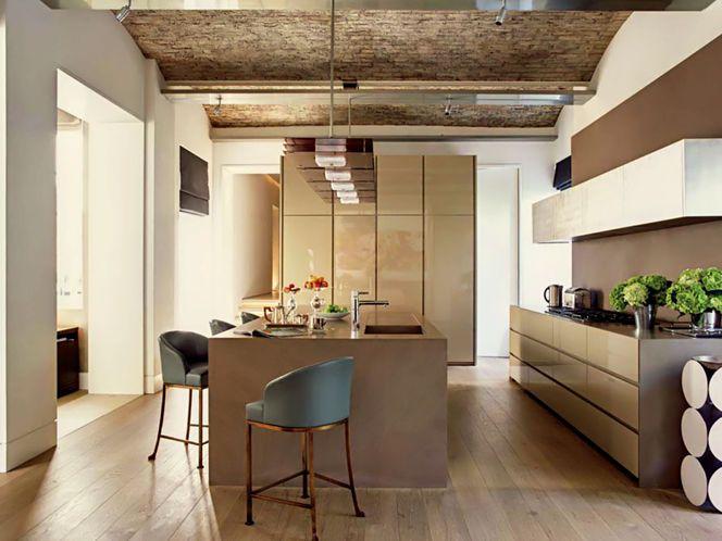cocina moderna, vivienda rehabilitada, muebles color tierra sin ...