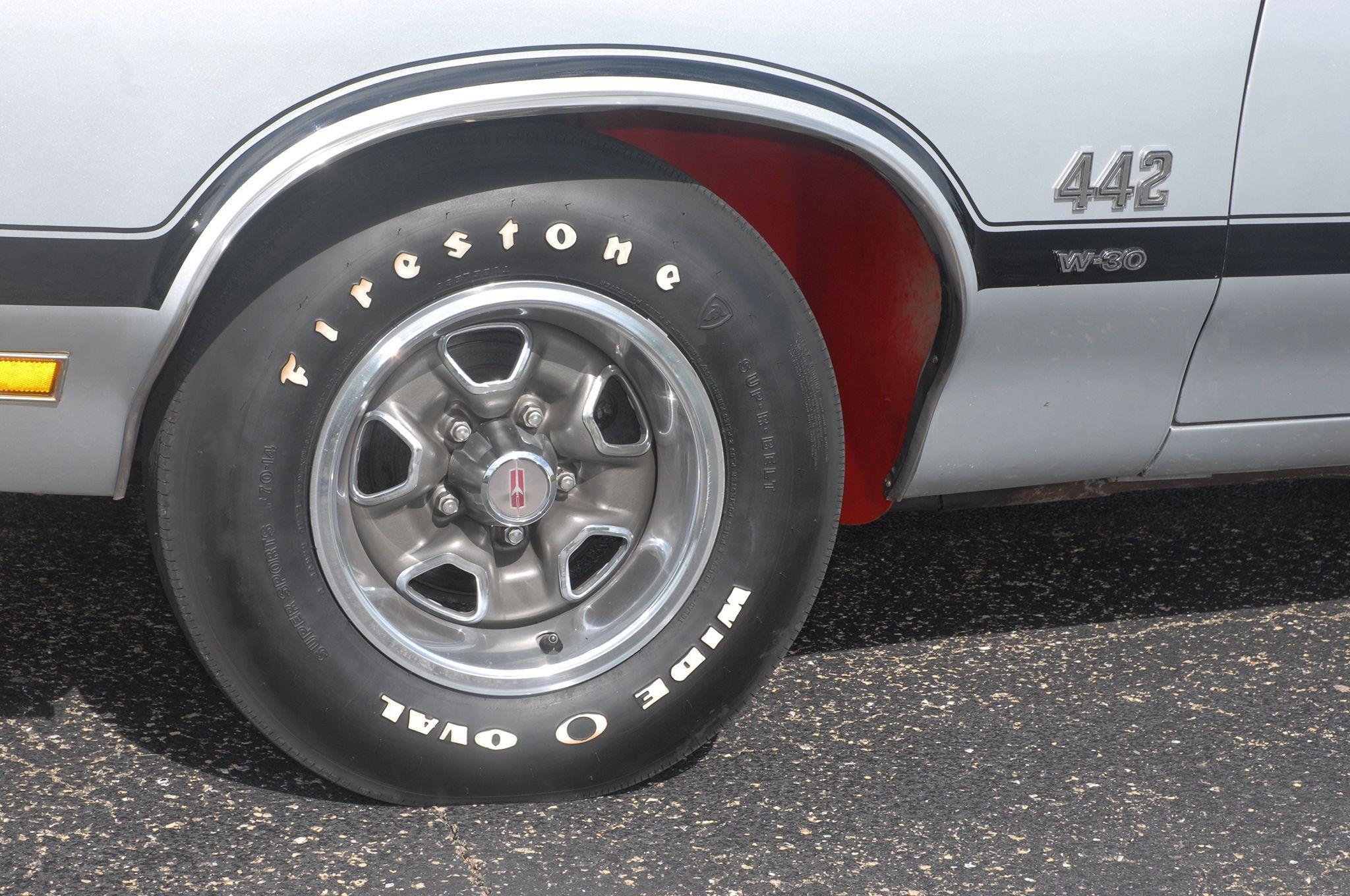 06 1970 Oldsmobile 442 Wheel Tire Jpg 2048 1360 Oldsmobile Oldsmobile 442 Time Capsule
