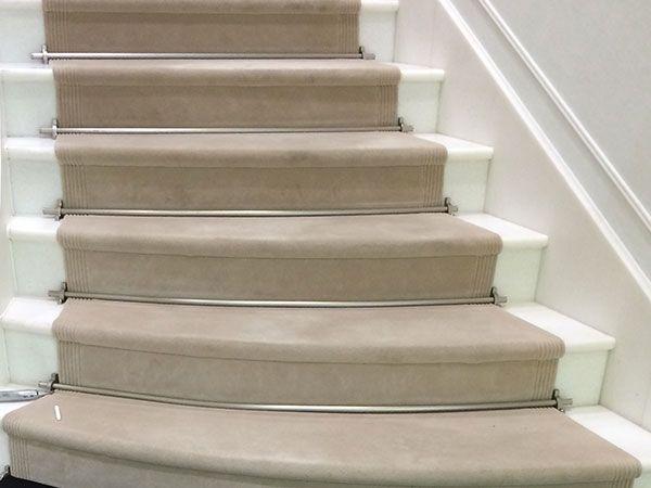ateliers picot pose et fourniture de moquettes et tapis sur mesure escaliers main courante. Black Bedroom Furniture Sets. Home Design Ideas