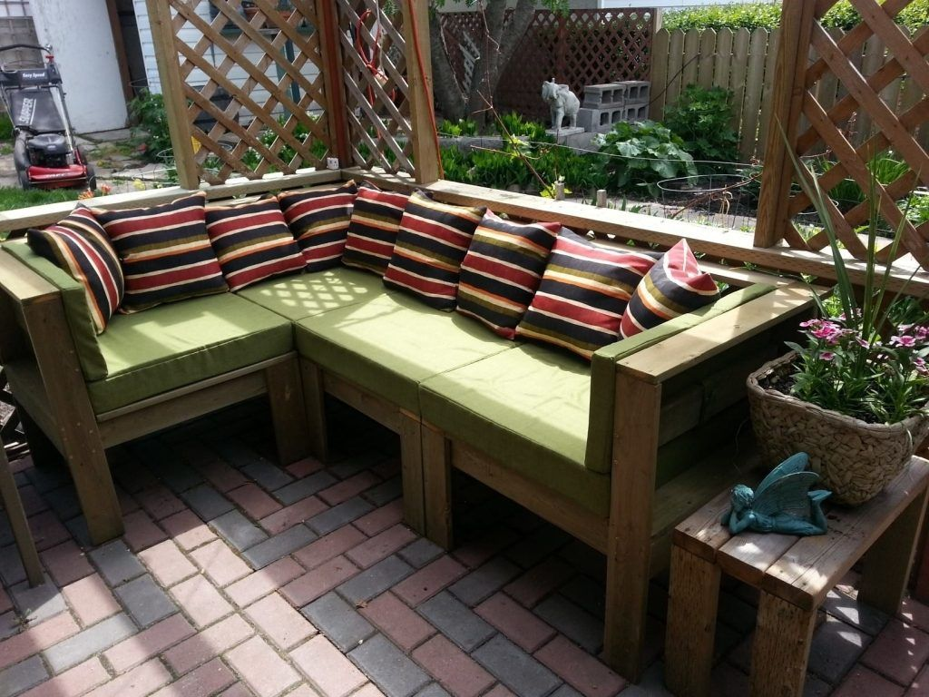 Tips for making your own outdoor furniture furniture for Build your own couch cheap