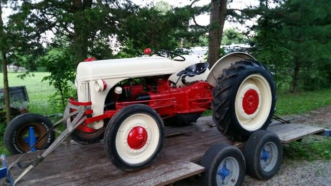 My 300 Tractor From Bartering On Craigslist 4x4 Pinterest 4x4