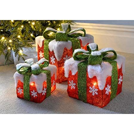 WeRChristmas Pre-Lit LED Christmas Presents with Green Ribbon and