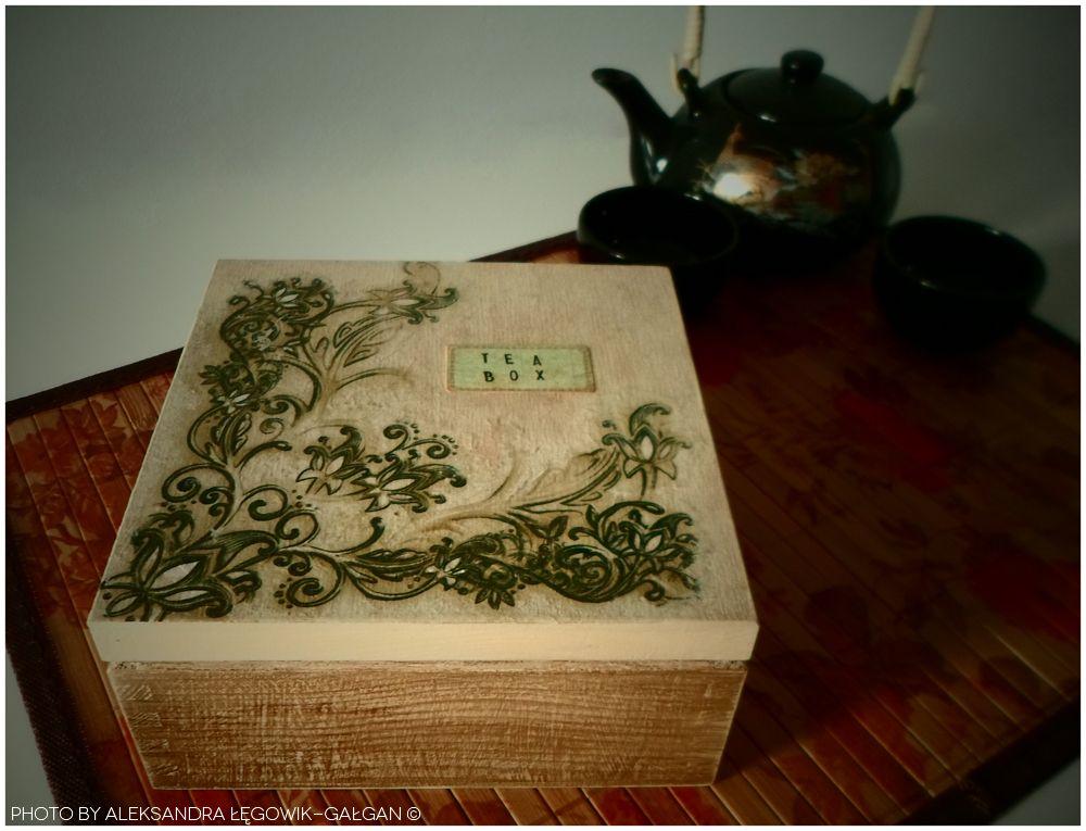 """Almost Vintage"" Tea Box."