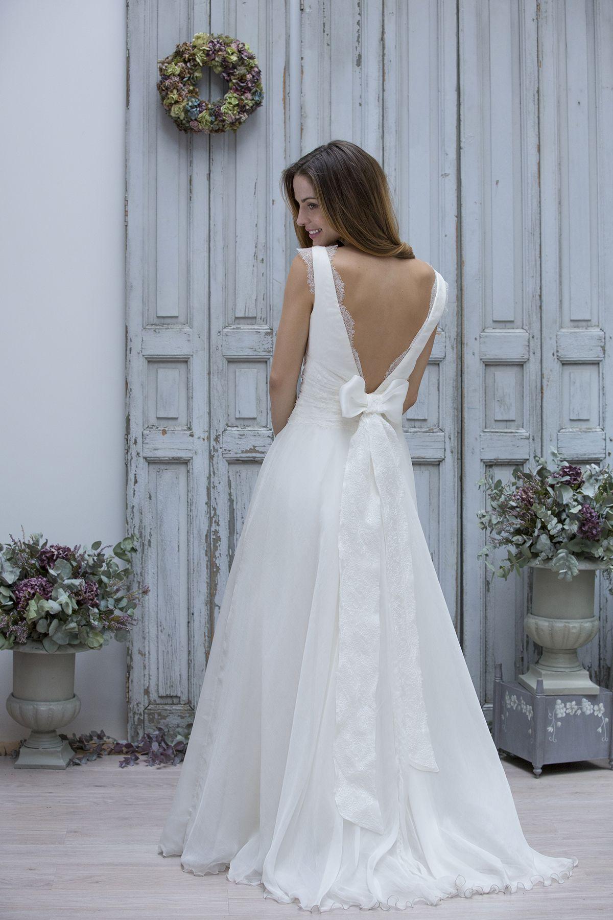 Robe de Mariée : Marie Laporte 2014 | Dressing gown, Wedding dress ...