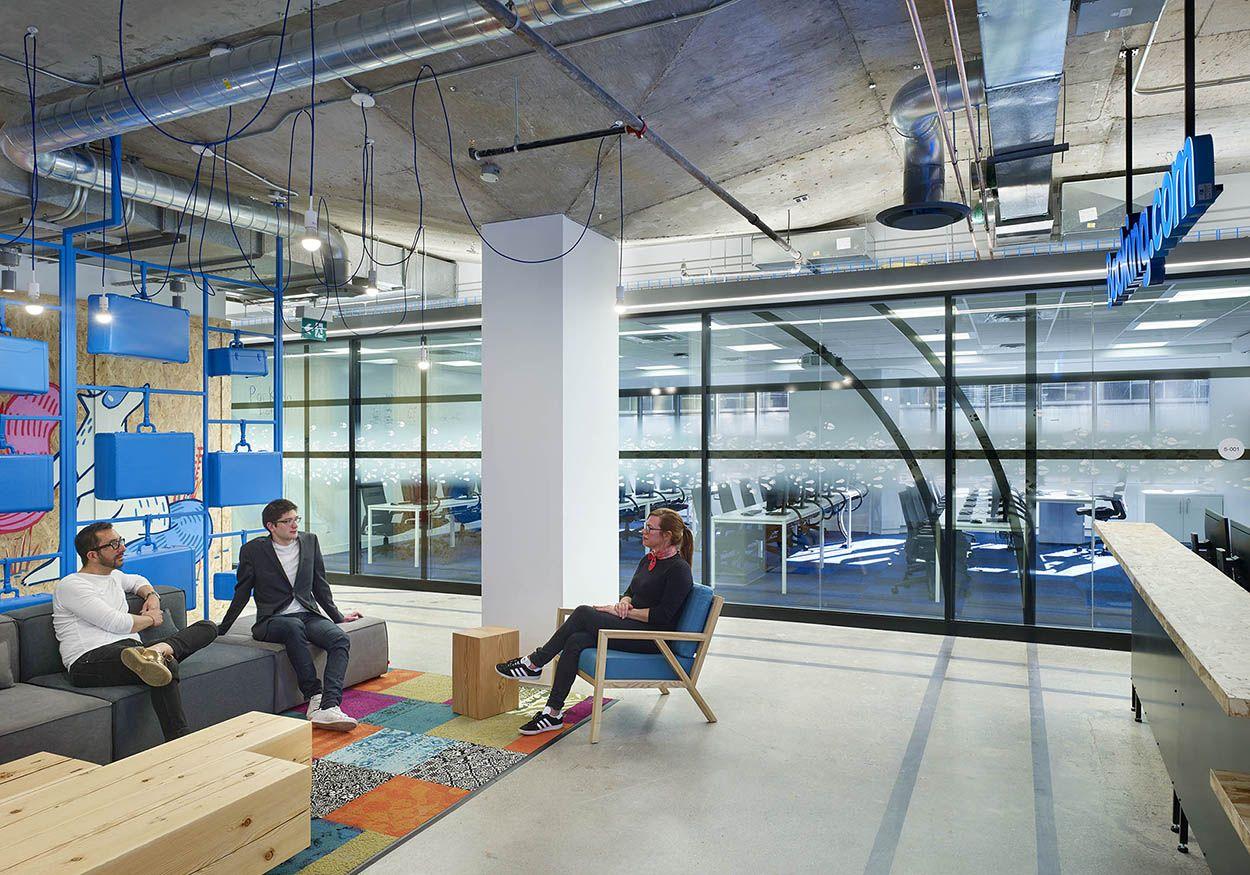 Arido Award Winner 2017 Booking Com Toronto Call Center Interior