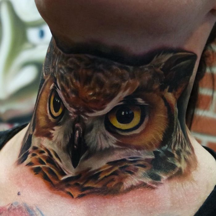 Realistic Owl Neck Tattoo | Tatoo, Coruja, Artes