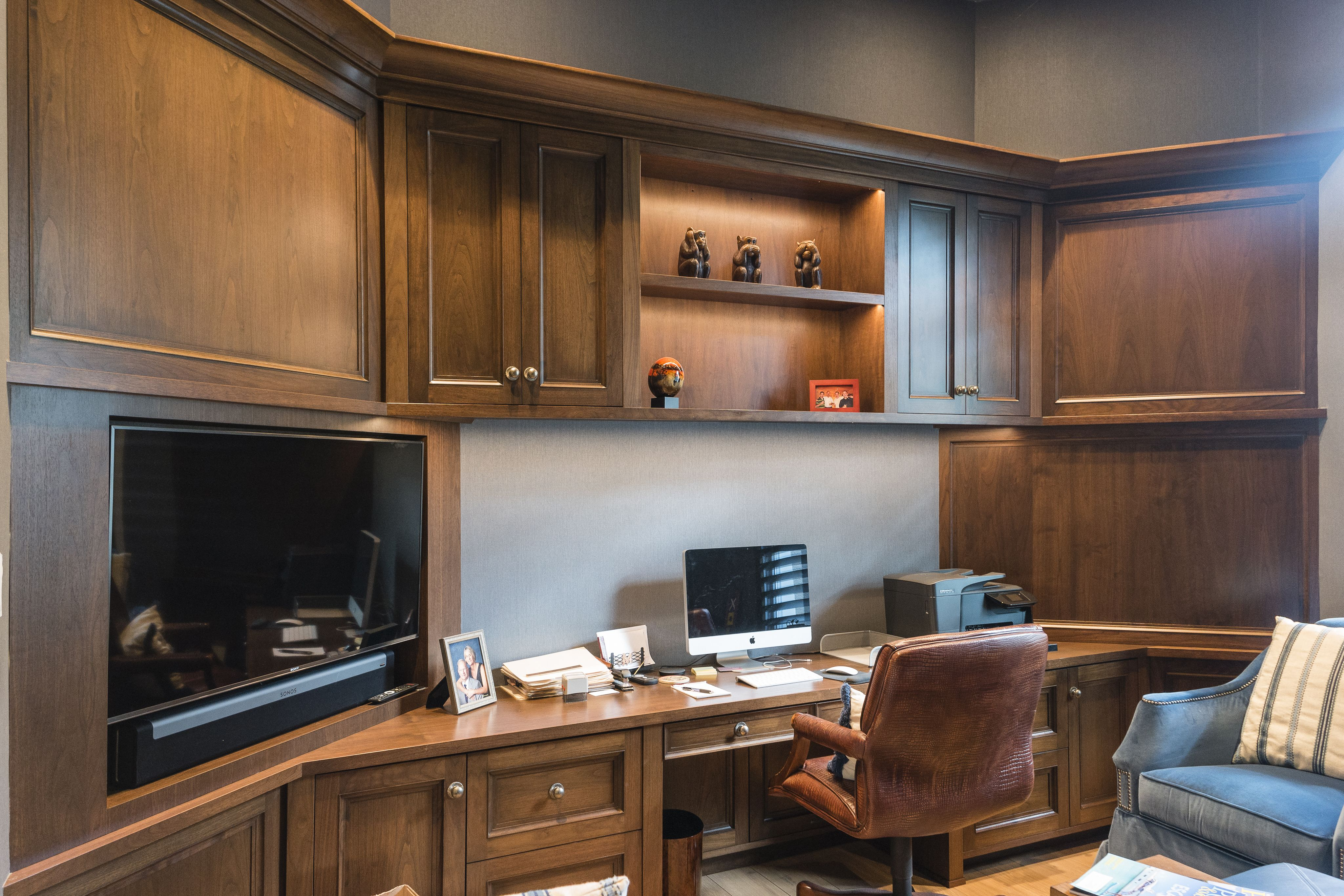 #homeoffice #office #officedecor #officedesign #officefurniture #furniture #custom #naplesinteriordesign #instadecor #interiordecorator #interiordesignlovers #naplesflorida #floridainteriors #floridainteriordesign #floridainteriordesigner #interiordesigngoals #interiordesignerlife