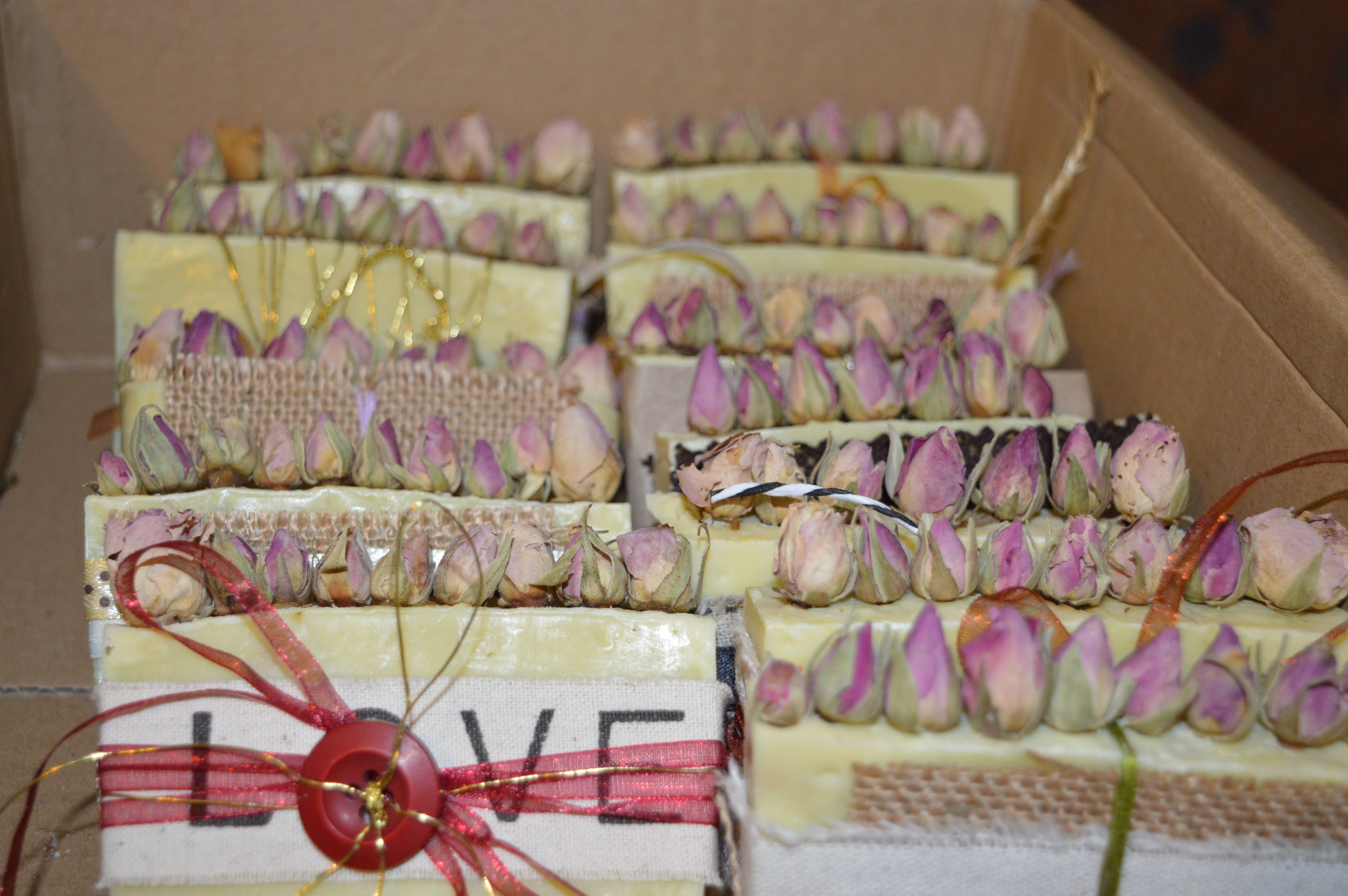 #Handmade #Soap <3 Base : #Olive Oil <3 with  #Rose Oil and Roses <3 #handcrafted