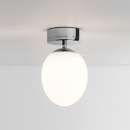 Le plafonnier kiwi ceiling de la marque astro lighting vous séduira par son design élégant et efficace le diffuseur en verre opalin à la forme ovoïdale