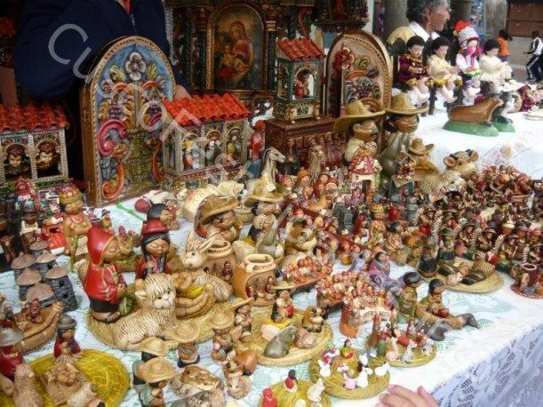 Artesania Cuzqueña con motivos Navideños Peru (turismo
