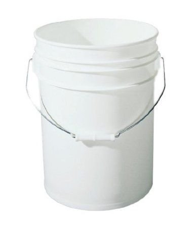 5 Gallon Plastic Bucket With Handle Food Grade Bpa Free Amazon Com Automotive Food Grade Buckets Plastic Buckets Storage Container Homes