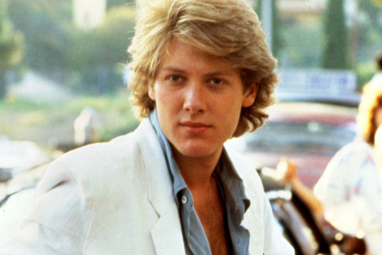 Fashion For > 80s Feathered Hair Men