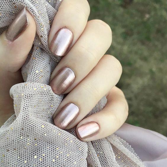 Metallic rose gold nails | Nagellack-Kunst | Pinterest | Uñas ...