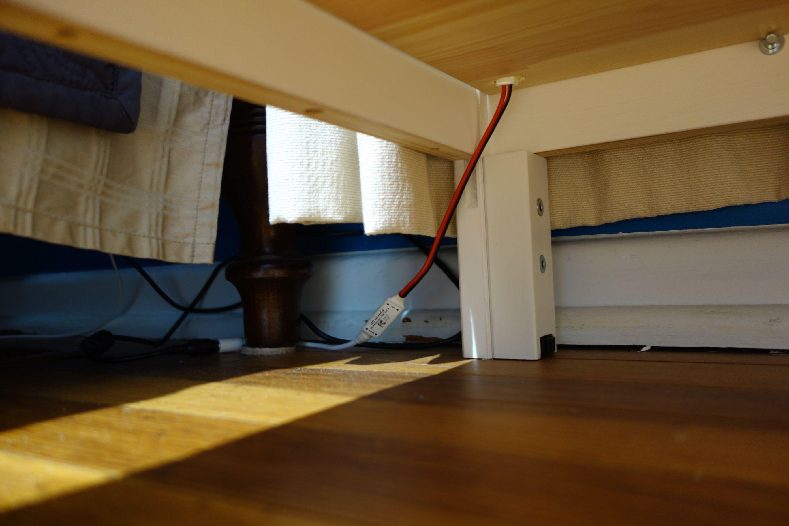 How I set up LED strip lighting in a Billy/Oxberg cabinet - http://ift.tt/2l7umlS
