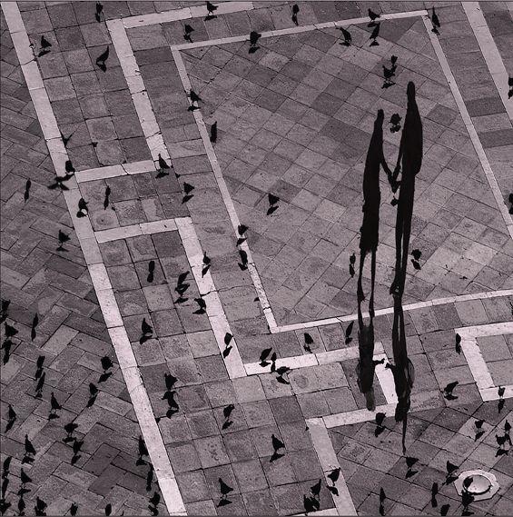 ''Y en la calle codo a codo, somos mucho más que dos'' ♥ Shadowworld #2 - I. Schwarz