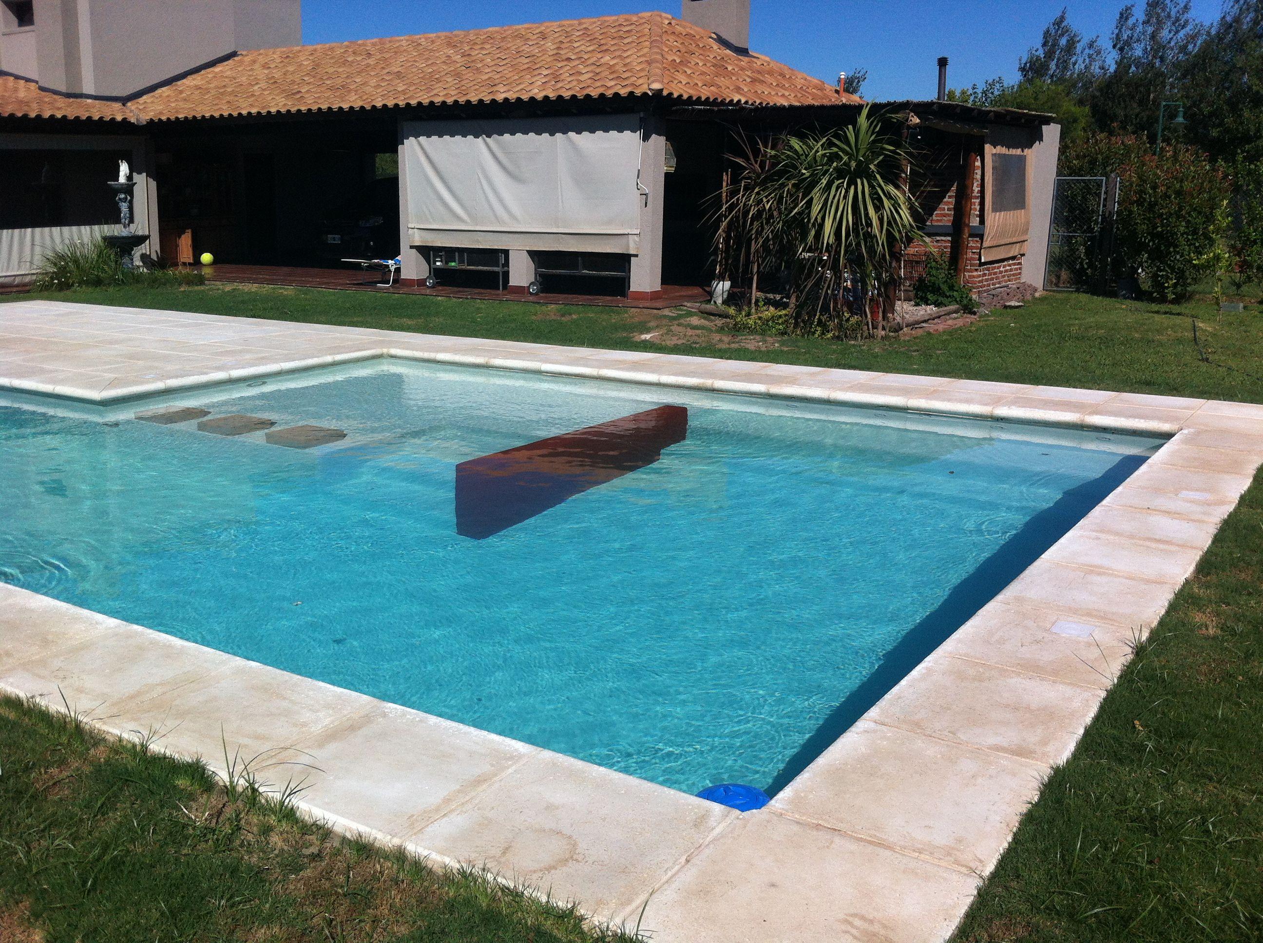 Dise os de piscinas modernas casa dise o for Disenos de piscinas para casas