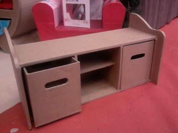assise avec coffre chambre enfant en carton cardboard furniture. Black Bedroom Furniture Sets. Home Design Ideas