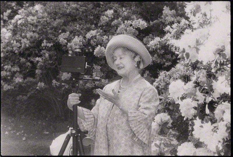 Photo by Norman Parkinson in 1980 of Queen Elizabeth ...