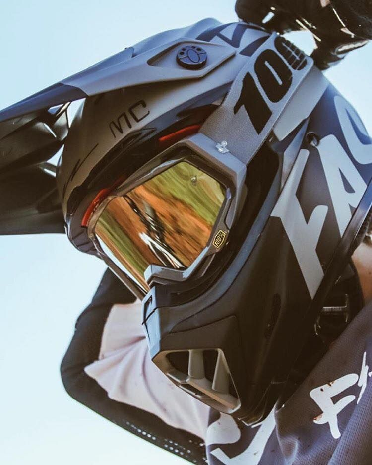Bell Moto 9 MIPS Helmet - Fasthouse MC Matte Black White  92eda36aa