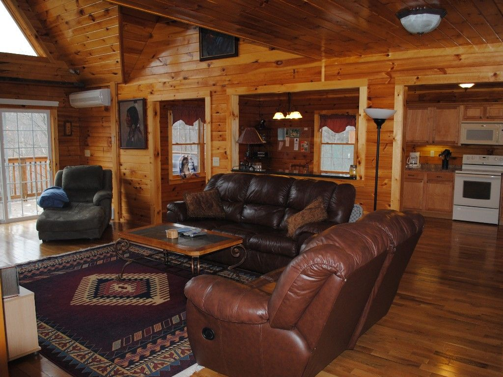 majestic home backyard w in yards beach s cozy tobyhanna image luxury the ha deal cabin cabins area property bed poconos from log conservation
