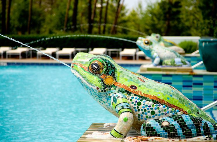 I Would Love Something Quirky And Unique Like This Around My Pool