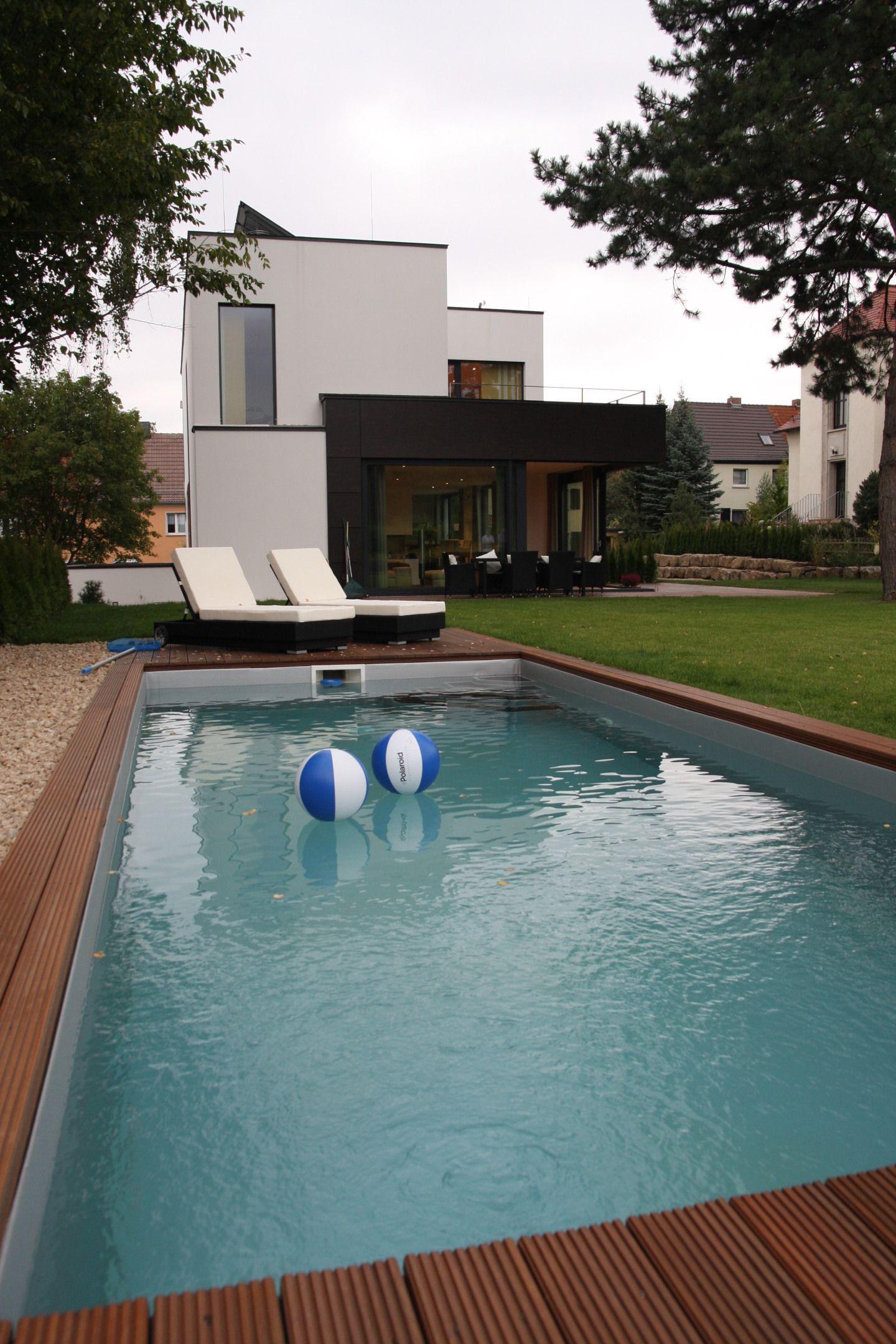 Blick vom Pool Einfamilienhaus, Architektur, Haus bauen