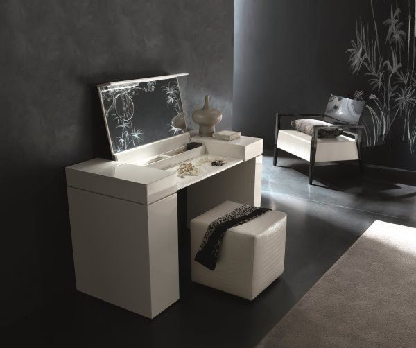 mobile toeletta moderno windsor con inserti in ecopelle effetto coccodrillo product design. Black Bedroom Furniture Sets. Home Design Ideas