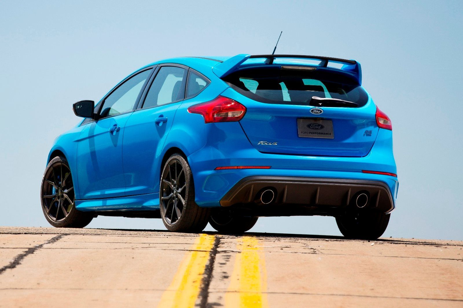 2018 Ford Focus Rs Review Trims Specs And Price Carbuzz In 2020 Ford Focus Rs Ford Focus Focus Rs