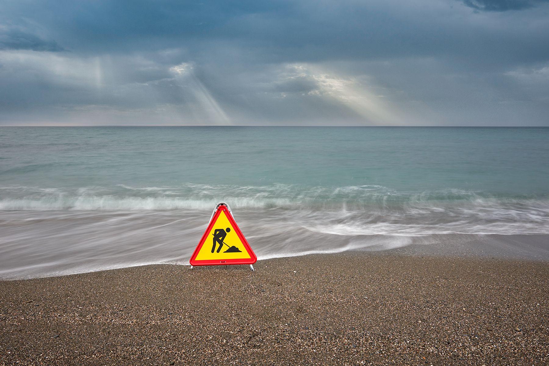 La playa en obras