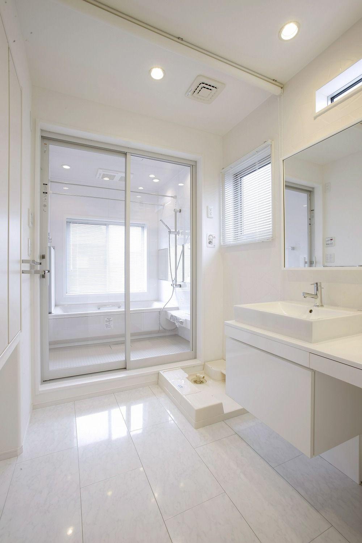 リフォームo Uccino 両親との同居を期に二世帯へ 耐震改修 のリフォーム事例事例が満載 浴室 インテリア バスルーム インテリア モダンバスルーム