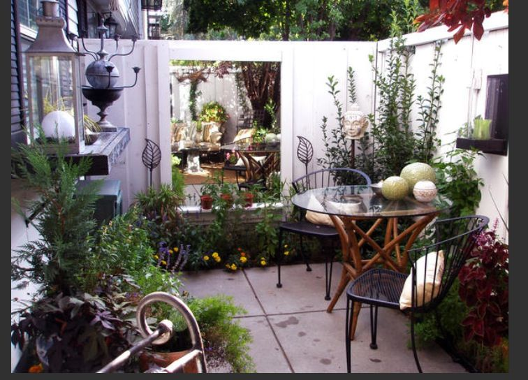 Small Private Patio... Great For Townhouse Or Apt.