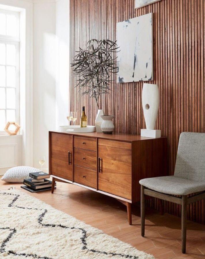 recibidor con pared forrada en madera decoracion Pinterest