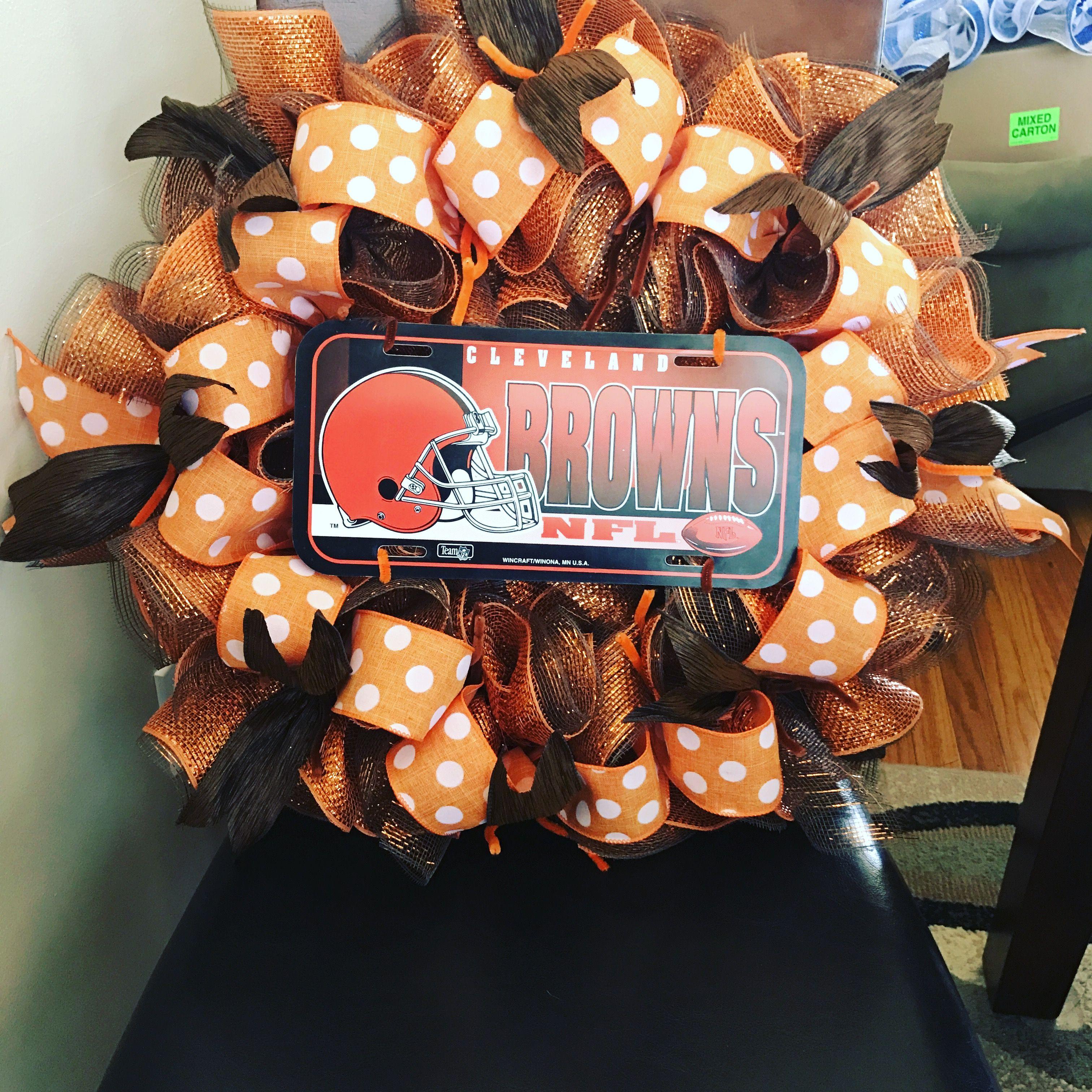 Browns wreath Wreaths, Halloween wreath, Cleveland browns