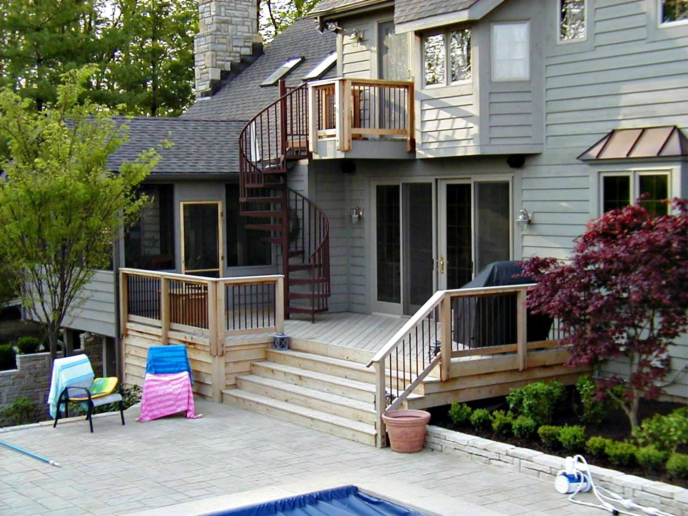 Best Pressure Treated Deck With Spiral Staircase Spiral 400 x 300