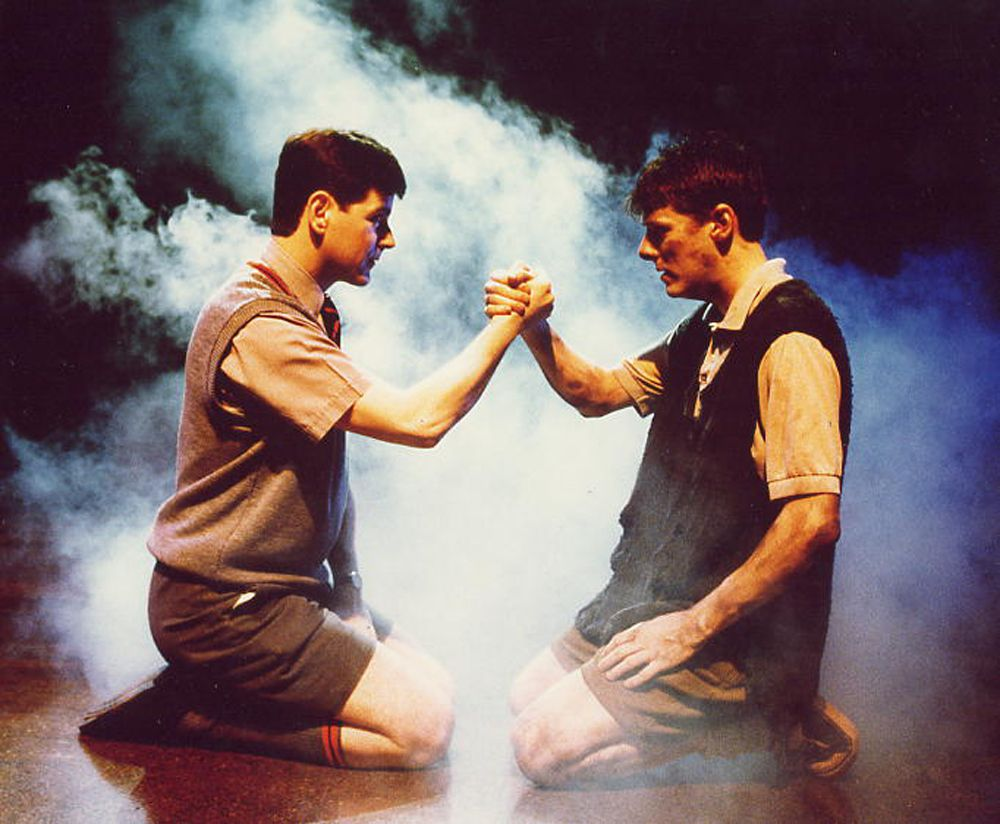 plot blood brothers by willy russell english literature blood brothers the musical at the phoenix theatre