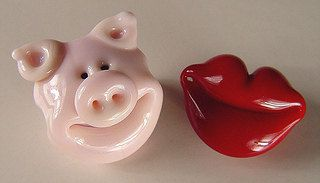 Lampwork HOGS and KISSES Beads by gardenpathbeads on Etsy
