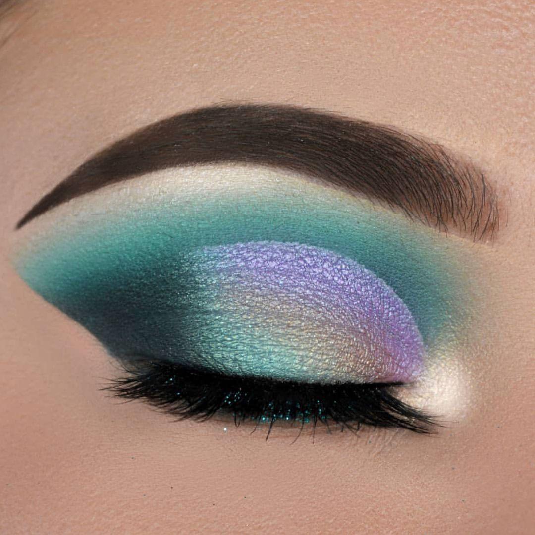 Green unicorninspired eyeshadow eyeshadow eye makeup in