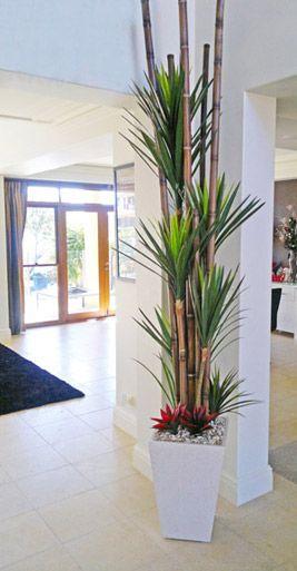 Interior gardens decoraci n plantas en 2019 jarrones - Decoracion de jarrones con flores artificiales ...
