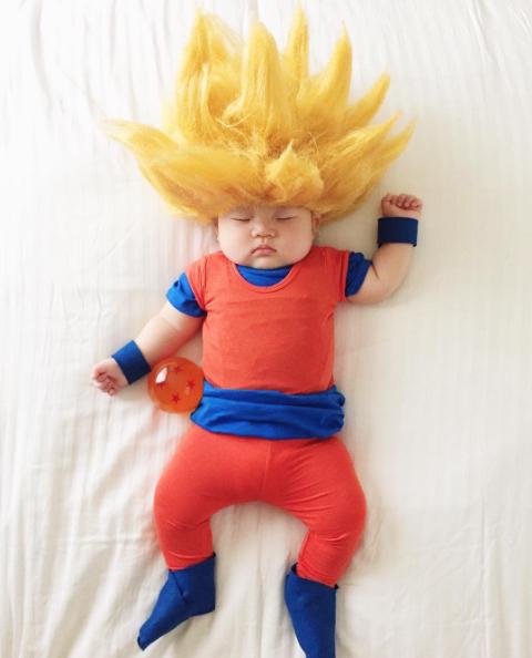aead69744 25 disfraces originales que le hace una mamá a su bebé mientras duerme -  BabyCenter en Español