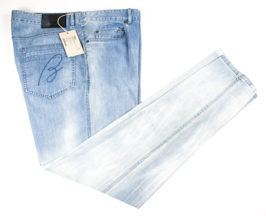 Keep it light, in these BRIONI Roccaraso Classic Five Pocket Selvedge Denim Jeans!  |  Find yours! http://www.frieschskys.com/bottoms/jeans  |  #frieschskys #mensfashion #fashion #mensstyle #style #moda #menswear #dapper #stylish #MadeInItaly #Italy #couture #highfashion #designer #shopping